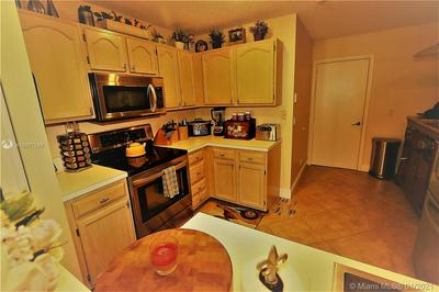9041 LAKE PARK CIR N # 0, Davie, FL 33328 - Photo 2