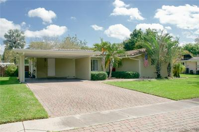 880 OLEANDER DR, Plantation, FL 33317 - Photo 1