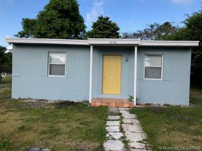 18180 SW 98TH AVE, PALMETTO BAY, FL 33157 - Photo 1