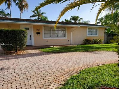 7801 NW 11TH CT, Pembroke Pines, FL 33024 - Photo 2