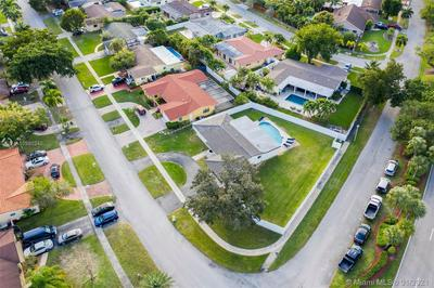 1650 NW 114TH AVE, Pembroke Pines, FL 33026 - Photo 2