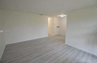 1418 HOLLY HEIGHTS DR APT 3, Fort Lauderdale, FL 33304 - Photo 2