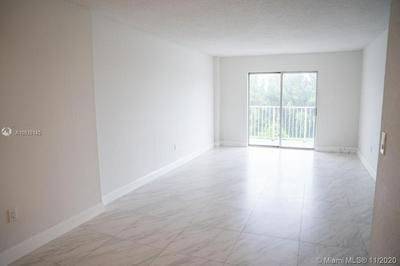 16465 NE 22ND AVE APT 619, North Miami Beach, FL 33160 - Photo 2