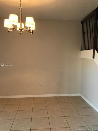 143 AVE NW 972 NW # 2202, Pembroke Pines, FL 33027 - Photo 2