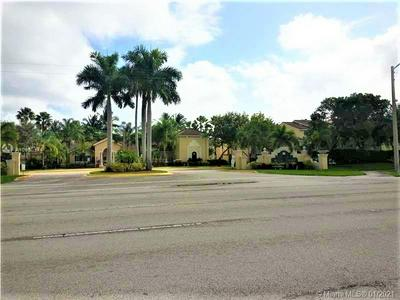 2600 S UNIVERSITY DR APT 117, Davie, FL 33328 - Photo 1