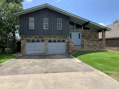 6470 COOLIDGE ST, GROVES, TX 77619 - Photo 1
