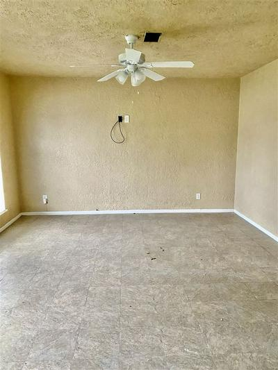 3636 HEMLOCK LN, ORANGE, TX 77630 - Photo 2