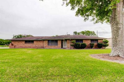 2703 TYLER AVE, NEDERLAND, TX 77627 - Photo 1