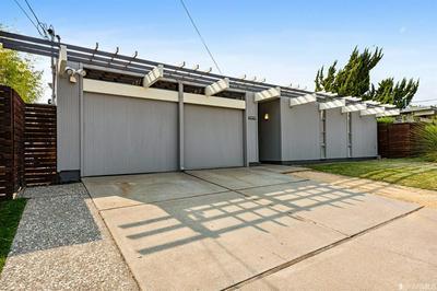 5664 GREENRIDGE RD, Castro Valley, CA 94552 - Photo 2