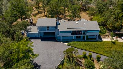 8566 VALLEY VIEW RD, Redding, CA 96001 - Photo 2
