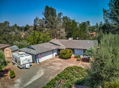 7054 COWAN CT, Anderson, CA 96007 - Photo 2