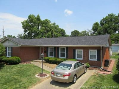 736 PLAZA DR, Jeffersonville, IN 47130 - Photo 1