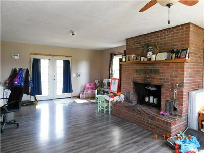 404 E MULBERRY ST, Salem, IN 47167 - Photo 2