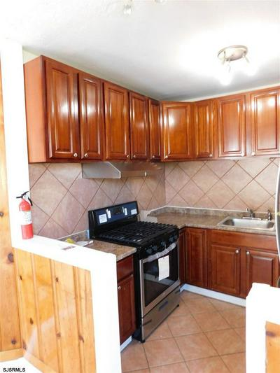121 W FLORAL AVE, Pleasantville, NJ 08232 - Photo 2