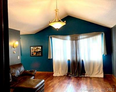 124 HUBBARD RD, Hartford, CT 06114 - Photo 2