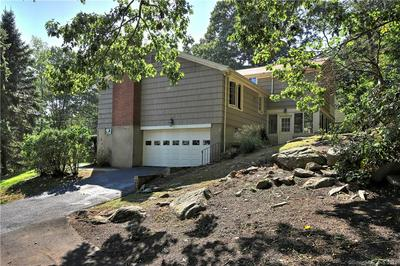 45 SUNNYCREST RD, Trumbull, CT 06611 - Photo 2