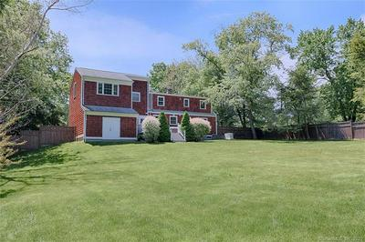 306 BARBERRY RD, SOUTHPORT, CT 06890 - Photo 2