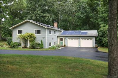 16 HICKORY LN, Waterford, CT 06385 - Photo 1