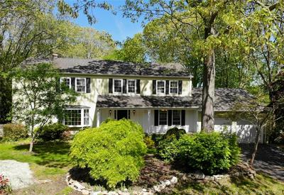 29 TRUMBULL RD, Waterford, CT 06385 - Photo 1