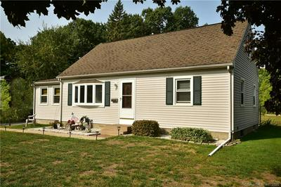 3 EDMUND LN, Enfield, CT 06082 - Photo 2