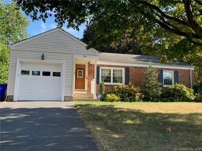 39 ROCKLEDGE DR, West Hartford, CT 06107 - Photo 1