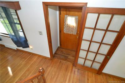 105 WOODWARD AVE, New Haven, CT 06512 - Photo 2