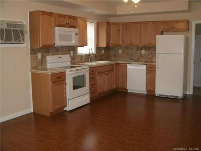 852 BANK ST APT A, New London, CT 06320 - Photo 2