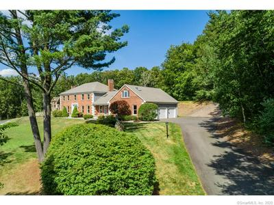 83 FRANKLIN WOODS DR, Somers, CT 06071 - Photo 2