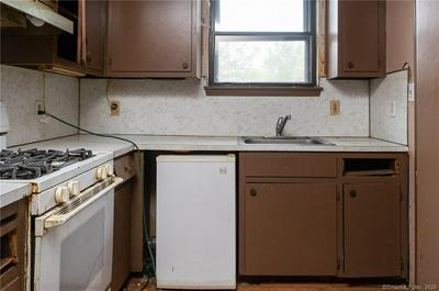 45 HAMPTON CT # 45, Newington, CT 06111 - Photo 2