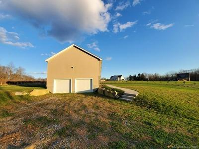 304 RATTLESNAKE LEDGE RD, Salem, CT 06420 - Photo 2