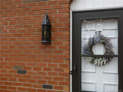 550 DARLING ST UNIT 5E, Southington, CT 06489 - Photo 1
