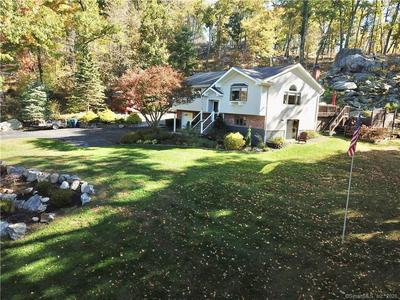 7 GALLOPING HILL DR, New Fairfield, CT 06812 - Photo 1
