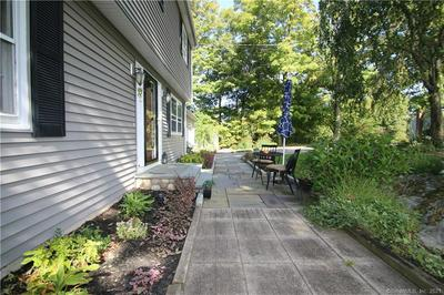 23 TAHOE CIR, Trumbull, CT 06611 - Photo 2
