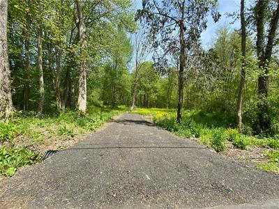 19 DUNN HILL RD, Durham, CT 06422 - Photo 1