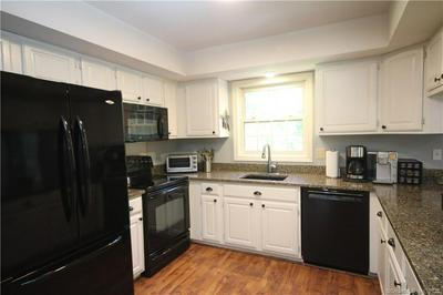 40 BAYBERRY RD, Prospect, CT 06712 - Photo 2