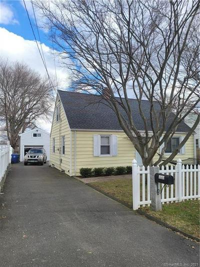 136 ALEXANDER AVE, Bridgeport, CT 06606 - Photo 2