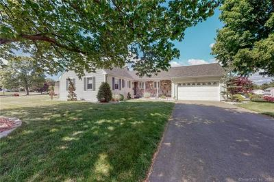 29 CLOVERDALE CIR, Wethersfield, CT 06109 - Photo 2