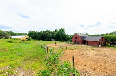 469 E PUTNAM RD, Putnam, CT 06260 - Photo 1