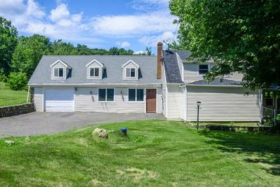 2 APPLE HILL RD, Wolcott, CT 06716 - Photo 2