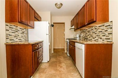 50 GREENHOUSE RD UNIT 57D, Bridgeport, CT 06606 - Photo 2