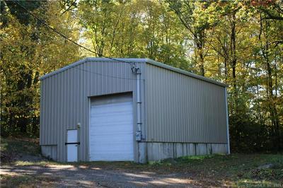 190 LEAVENWORTH RD, Shelton, CT 06484 - Photo 2