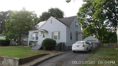 520 RUTH ST, Bridgeport, CT 06606 - Photo 2