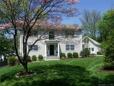 11 HOYT CT, Darien, CT 06820 - Photo 2