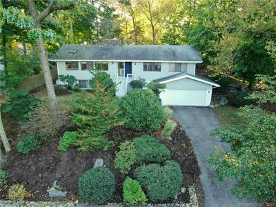 9 OLD WITCH CT, Norwalk, CT 06853 - Photo 2