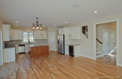 6 STONE HOUSE LN, Burlington, CT 06013 - Photo 2