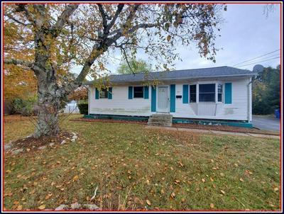 23 MCINTOSH AVE, Montville, CT 06382 - Photo 1