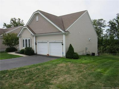 537 PUTTING GREEN LN # 537, Oxford, CT 06478 - Photo 1