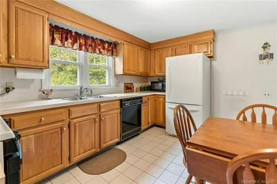 17 OVERBROOK RD, West Hartford, CT 06107 - Photo 2