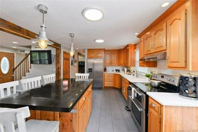 14 OAKDALE RD, Plymouth, CT 06786 - Photo 2