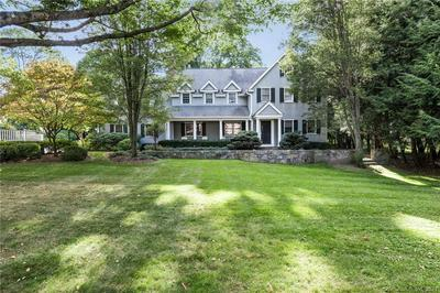 1 TULIP TREE LN, Darien, CT 06820 - Photo 2